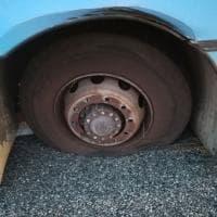 Torino, bus perde una ruota in tangenziale