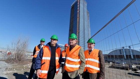 Grattacielo della Regione, il rinvio è d'obbligo: slitta a gennaio l'apertura al pubblico