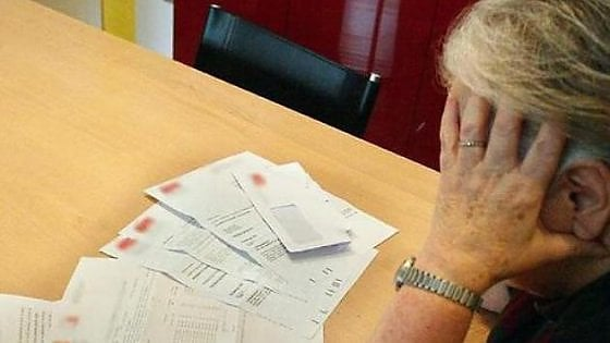 Anziana riceve bolletta da un centesimo: