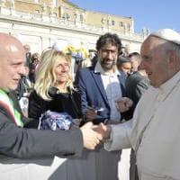Alba regala a Papa Francesco un tartufo bianco