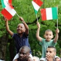 Torino, un cittadino su dieci è nato all'estero: vent'anni fa la quota