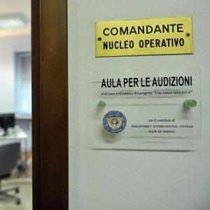 Leinì, aggredisce al moglie davanti alla caserma dei carabinieri: arrestato