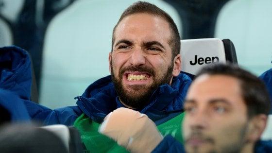 Juventus, Higuain salta il Napoli: operato alla mano