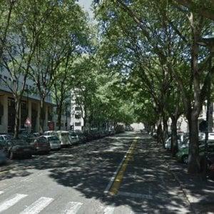 Torino, muore una donna caduta in bici sulla pista di corso Marconi: è giallo