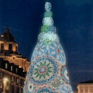 Villaggio Babbo Natale Torino.Ecco L Albero Di Natale Di 20 Metri In Piazza Castello E