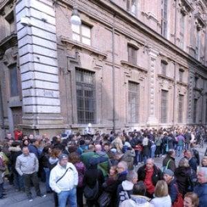 Ponte dell'Immacolata, boom del turismo, tutto esaurito negli hotel di Torino