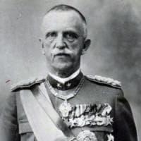 Il fascismo, le leggi razziali, la fuga: perché Vittorio Emanuele III non