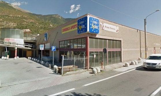 Torino, si rifiuta di lavorare a San Silvestro: trasferita a 100 km