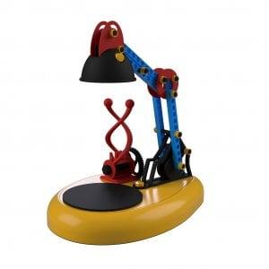 Torino, uno spin-off del Politecnico crea la lampada da tavolo che stampa in 3d: in vendita per la Befana sotto la Mole e a Milano