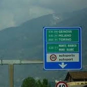 I folli aumenti delle autostrade, +52,69 per cento per la Aosta-Morgex