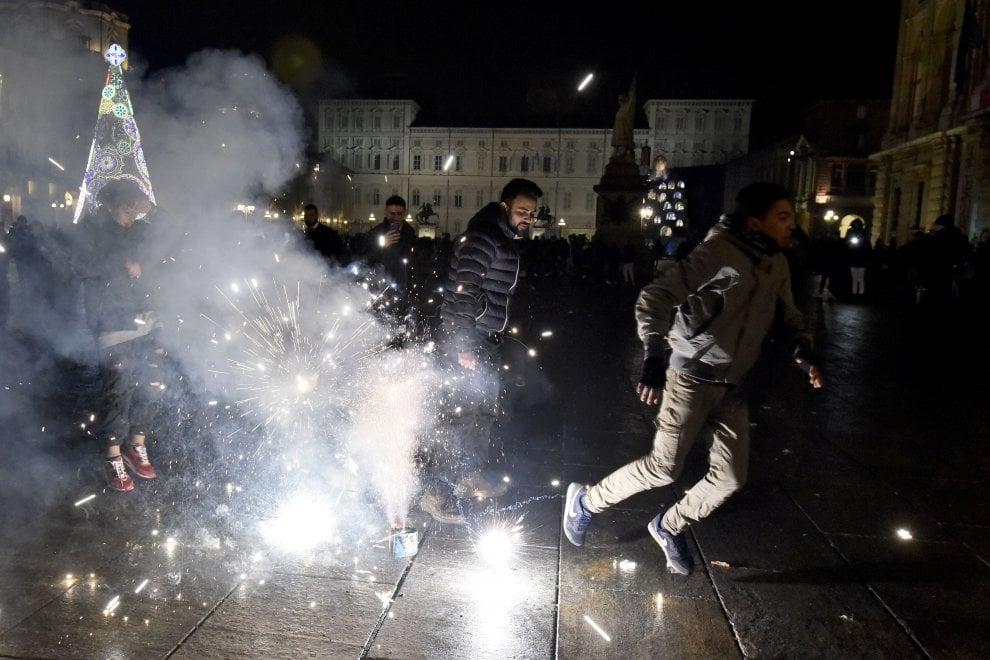Capodanno a Torino: una bomba carta provoca 4 feriti alla Falchera