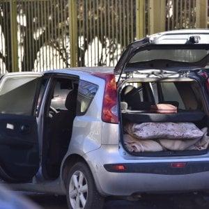 Torino, si dà fuoco in auto vicino alla stazione Lingotto dopo una lite con la moglie