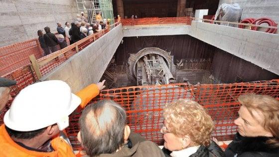 Torino, Delrio sblocca i fondi per prolungare la metropolitana fino a Cascine Vica