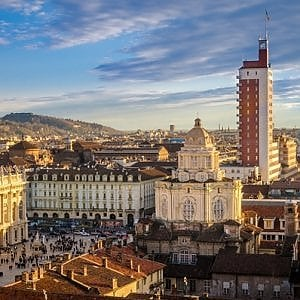 """Torino città sempre più piccola: in un anno """"persi"""" 4 mila abitanti"""