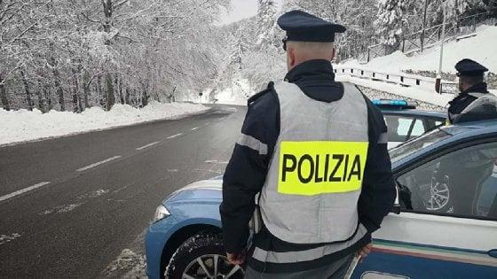 """Polizia, al via la trattativa per il nuovo contratto: """"I nostri straordinari pagati soltanto 5 euro l'ora"""""""