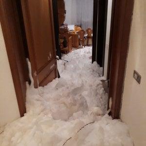 Slavina si abbatte su un condominio, notte di paura a Sestriere. Isolate Cogne, Gressoney e Cervinia