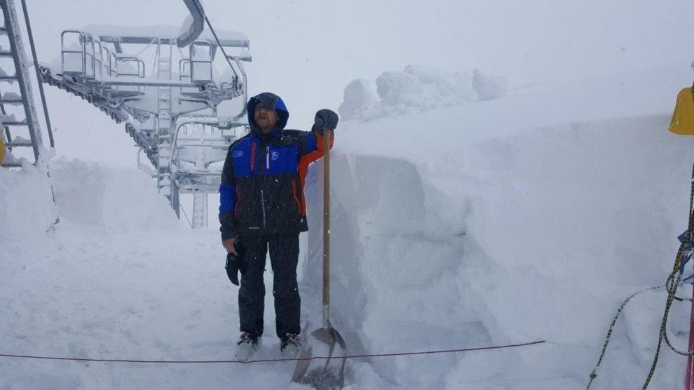 Bardonecchia, la nevicata record ferma pure la nuova seggiovia a sei posti