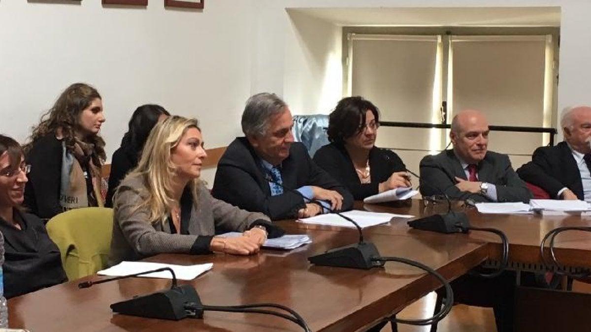 Torino si dimettono i tre revisori dei conti del comune for Tre stelle arreda torino