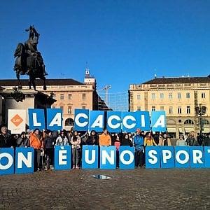 Torino, protesta animalista in centro contro Decathlon
