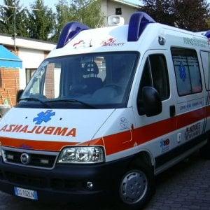 Torino, scontro in corso Chieri tra due auto: grave una donna al Cto