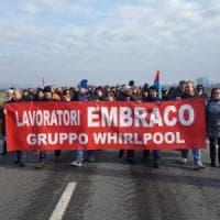 Embraco, fumata nera dall'incontro con i sindacati a Torino: stop alla produzione in...