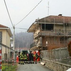 Cafasse, muratore ucciso dal muro della casa che crolla di schianto