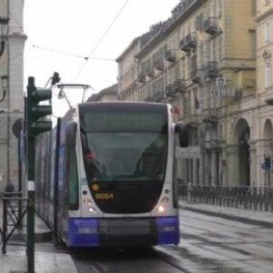 Gtt: operazione anti evasione sulle linee di tram e autobus 4 e 18, 500 passeggeri senza biglietto multati