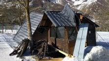 Entracque, il vento sradica le casette di legno del centro sci di fondo