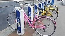 ToBike, a Porta Nuova  il giallo della bici gialla diventata rosa