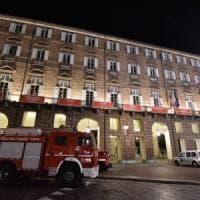 Torino: crolla un pezzo della scenografia della Turandot al Regio, due coristi