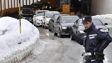 Rischio valanghe, Cervinia di nuovo isolata Emergenza anche a Courmayeur e La Thuile       Il caso.  Vento, boom di chiamate ai vigili