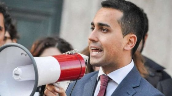 """Torino, Di Maio boccia la Tav, """"grande opera inutile"""", e scatena l"""