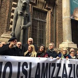 """Torino,  il direttore dell'Egizio """"bacchetta"""" Meloni per gli sconti agli arabi: """"Il museo è di tutti"""""""