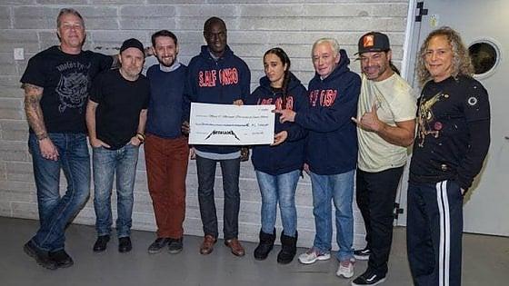 Solidarietà, i Metallica donano 15mila euro alla mensa dei poveri di Sant'Alfonso
