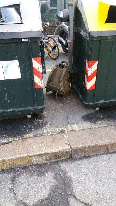 Torino, zaino abbandonato davanti ai vigili in via Bologna: allarme bomba, ma conteneva solo due scarponi