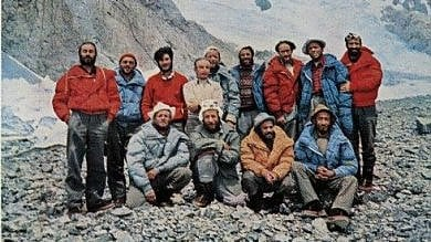Foto, scarponi e piumini d'epoca  all'asta i tesori della scalata al K2/  Foto