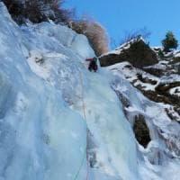 Cogne, ghiacciatore muore travolto dal ghiaccio mentre scala le cascate di Lillaz