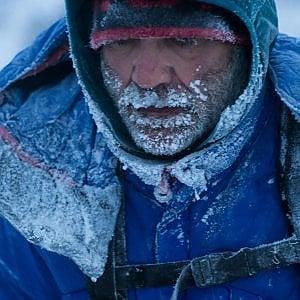 Nel gelo scalzo e senza guanti, la terribile gara nella neve di Zanda