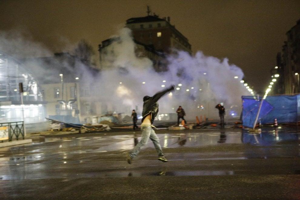 Sera di scontri in centro a Torino
