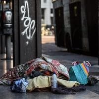 Emergenza freddo, Nosiglia chiede aiuto per chi dorme in strada