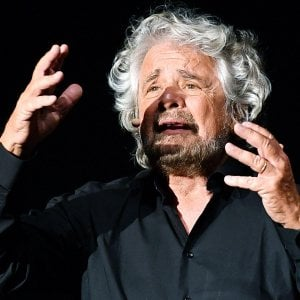 """Cinque """"vaffa"""" seppelliscono il sì di Grillo al bis olimpico"""