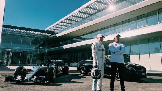 Sorpresa a Santena, alla Petronas spuntano Hamilton e Bottas