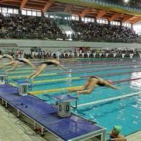 Novara, piscina comunale negata al corso per i rifugiati. La Regione avvia