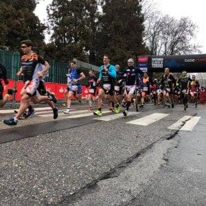 Mezza maratona di Torino: dominio keniano, ma anche lunghe code per le auto