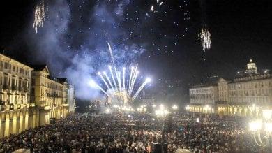Torino, 200 droni luminosi al posto dei fuochi per la festa di San Giovanni
