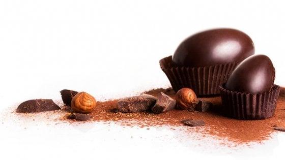 Torino, a Pasqua quest'anno l'uovo di cioccolato si mangia crudo