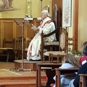 """Claviere, messa di Pasqua """"blindata"""" nella piccola chiesa occupata dai rifugiati"""