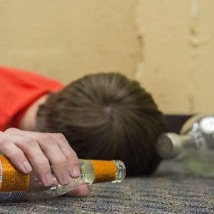 Alessandria: ragazzino rischia la vita per la sbronza con gli amici a base di rum