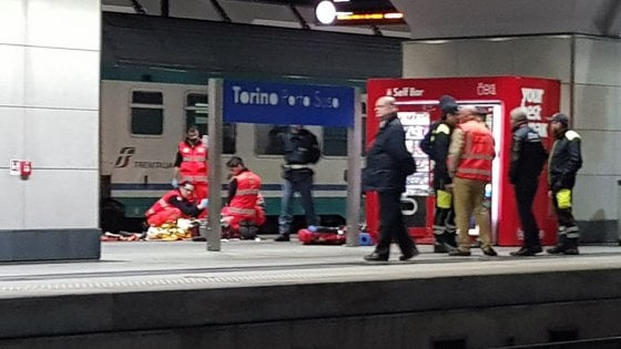 Torino, studentessa travolta dal treno a Porta Susa: ora spunta l'ipotesi del suicidio