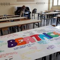 Vercelli, il dolore dei compagni di scuola di Beatrice, la ragazzina travolta dal treno
